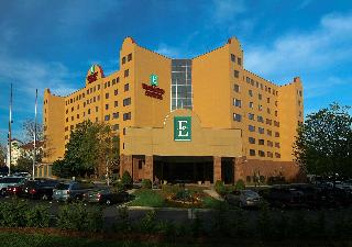 Embassy Suites Charlotte, South Tryon Street,4800