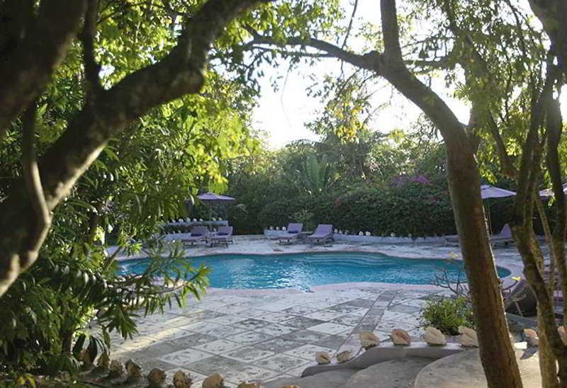 Pink Sands Resort - Pool
