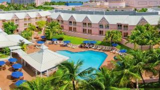 Comfort Suites Paradise Island - Pool