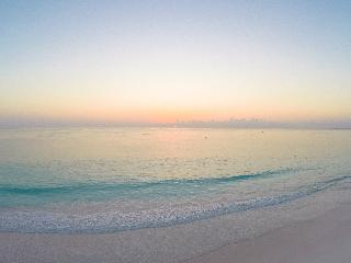 Coral Sands Hotel - Strand