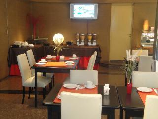 Golf Tower Suites & Apartments - Restaurant