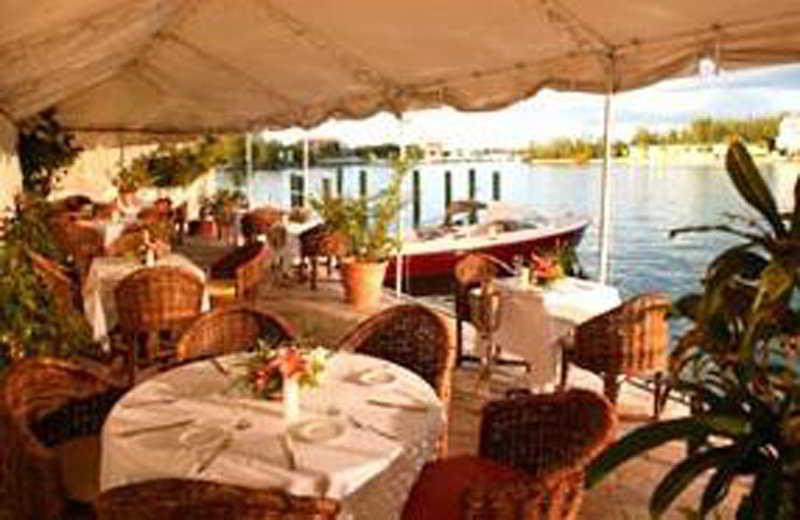 Pelican Bay at Lucaya - Restaurant