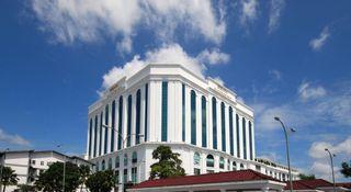 Berjaya Waterfront Hotel…, Jalan Ibrahim Sultan,88