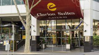 Clarion Suites Gateway, 1 William Street,.