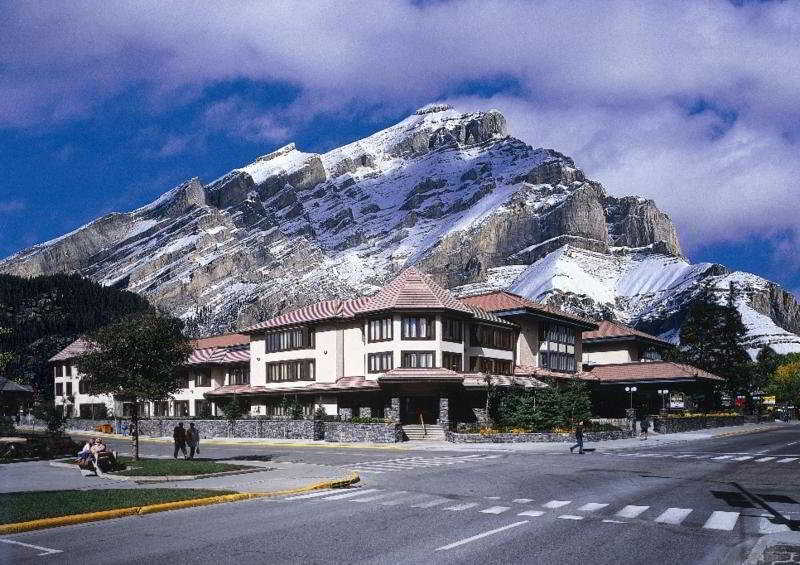 Elk + Avenue Hotel, 333 Banff Avenue,333