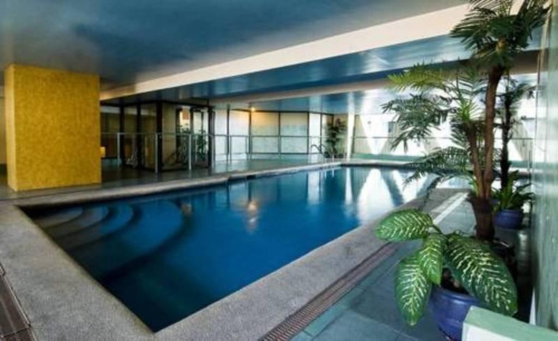 Berjaya Makati Hotel - Pool