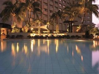 Makati Shangri-La Manila - Pool