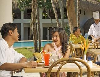 Maribago Bluewater Beach Resort - Bar