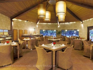 Maribago Bluewater Beach Resort - Restaurant