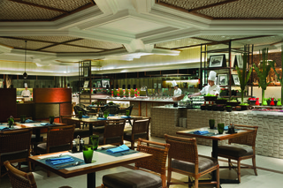 Shangri Las Mactan Resort and Spa Cebu - Restaurant