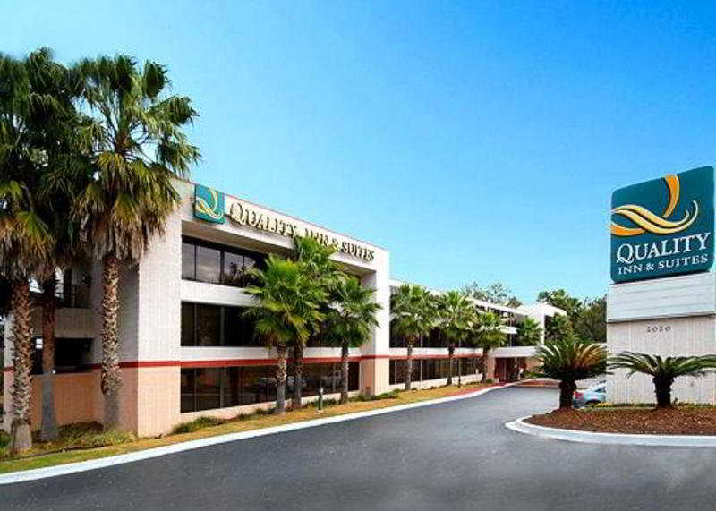 Quality Inn & Suites, 2020 Apalachee Parkway,