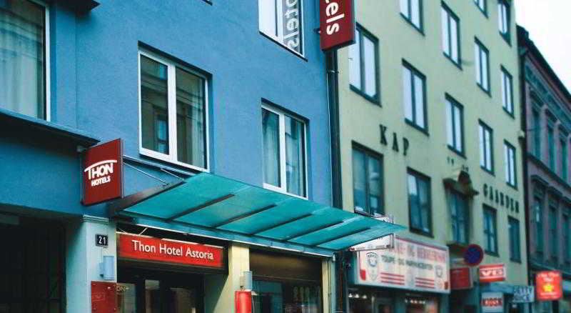 Thon Hotel Astoria, Dronningens Gate,21