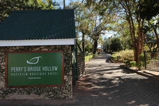 Perry's Bridge Hollow Boutique - Generell