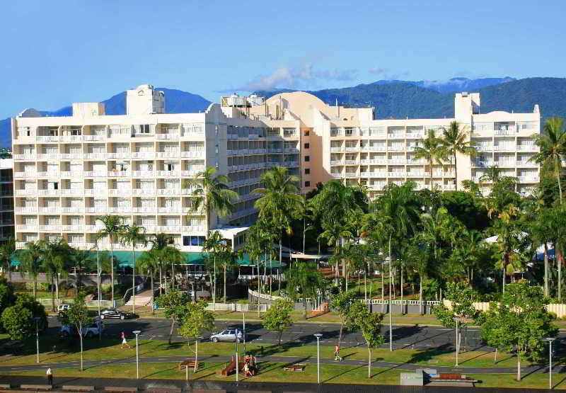 Rydges Tradewinds Cairns, 137 The Esplanade,.
