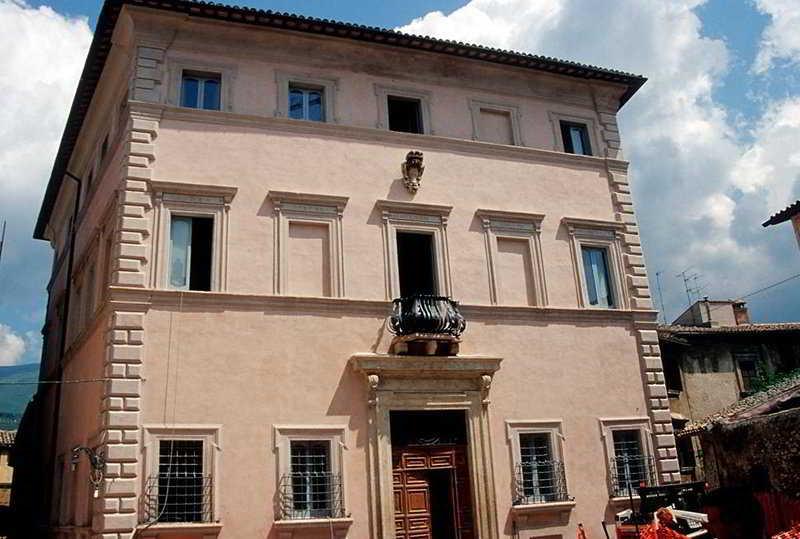 Antica Dimora Alla Rocca, Piazza Della Rocca,