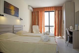 Relax Inn Hotel, Trip Il-halel,