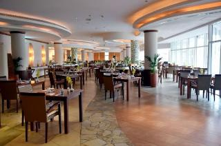 Fujairah Rotana Resort & Spa - Restaurant