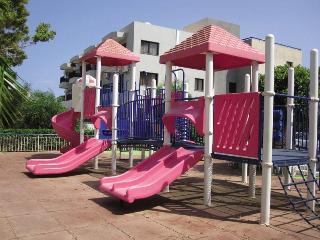 City Break Crown Resort Elamaris