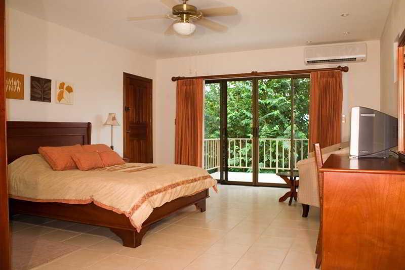Vista Bahia Beach Resort - Zimmer