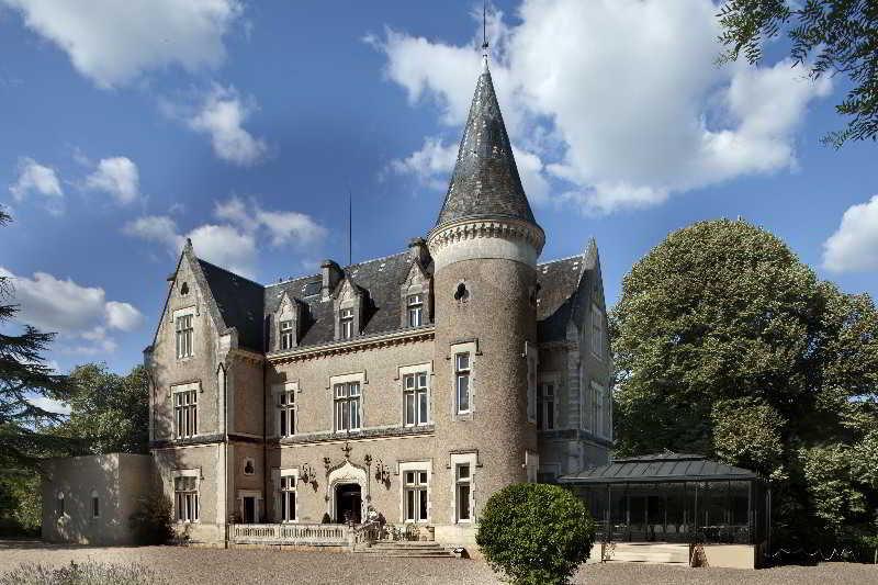 Chateau Des Reynats, Avenue Des Reynats,15