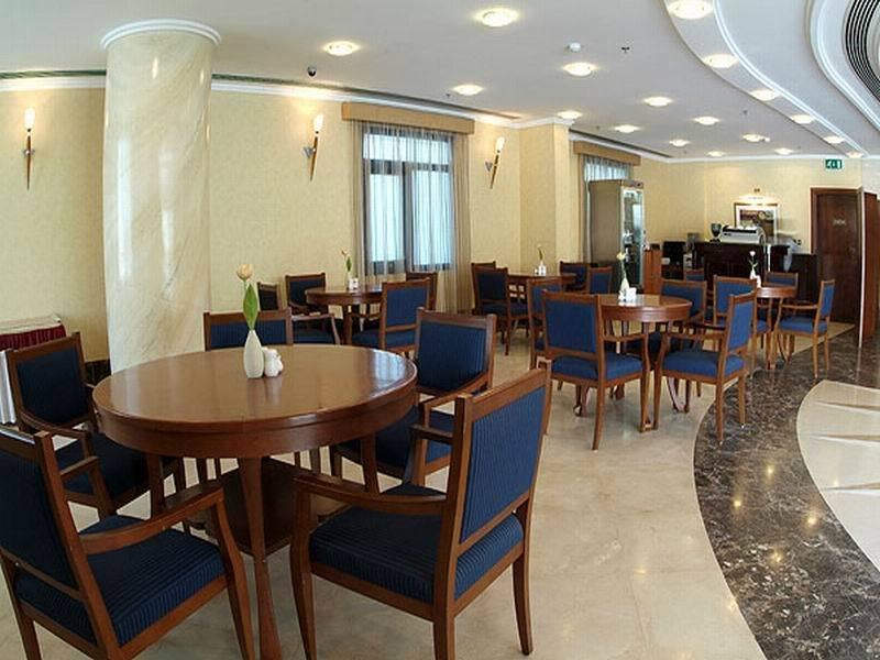Royal Qatar - Restaurant