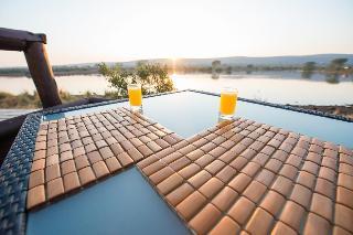 Shishangeni Main Lodge - Pool