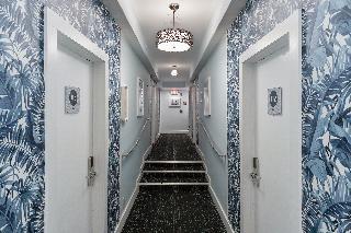 Penguin Hotel, 1418 Ocean Drive,1418