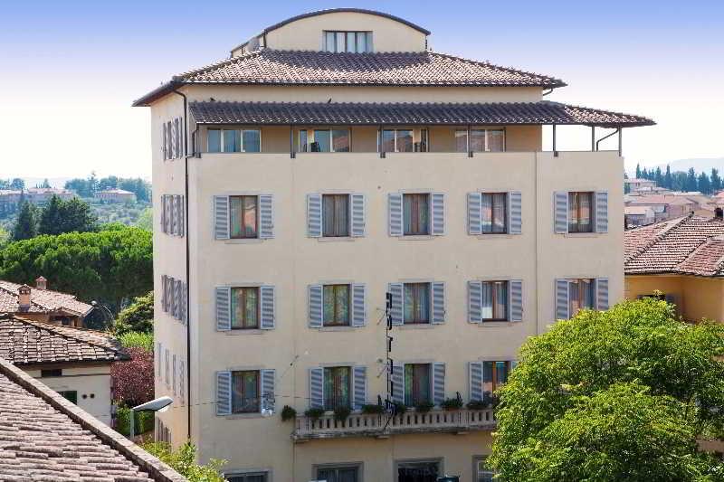 Italia Hotel, Viale Camillo Benso Di Cavour,67