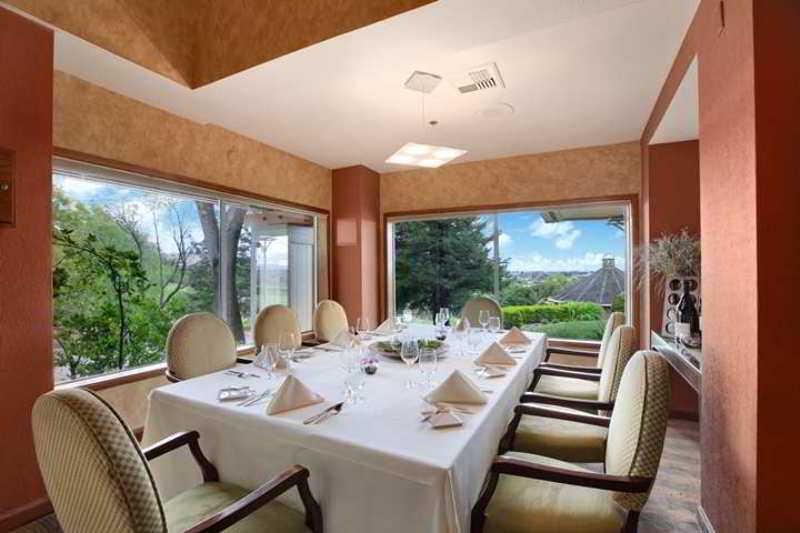 Hilton Sonoma Wine Country, 3555 Round Barn Blvd,