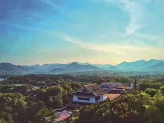 Shangri-la Hangzhou, 78 Beishan Road, Xiacheng…
