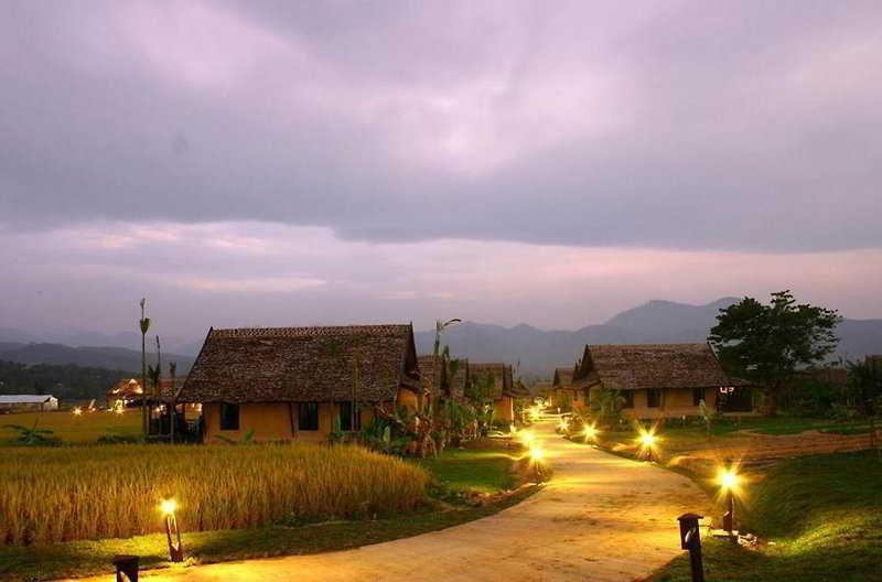 Phu Pai Art Resort, Moo 1, T. Mae Natheung, A.…