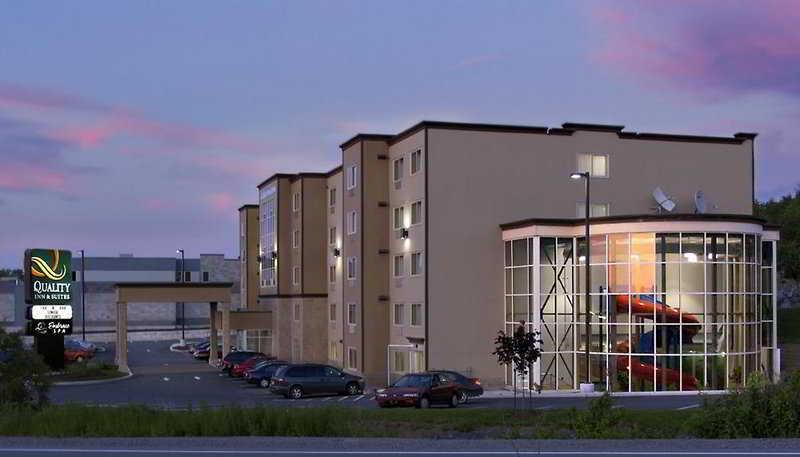 Holiday Inn Express…, 980 Parkland Drive,