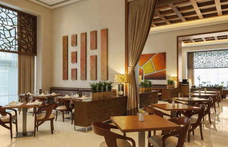 Four Points by Sheraton Sheikh Zayed Road - Restaurant