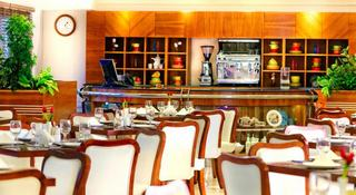 Golden Sands Hotel Apartments - Restaurant