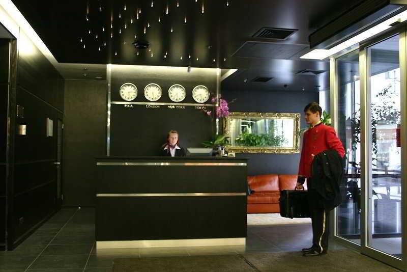 Royal Square Hotel & Suites - Diele