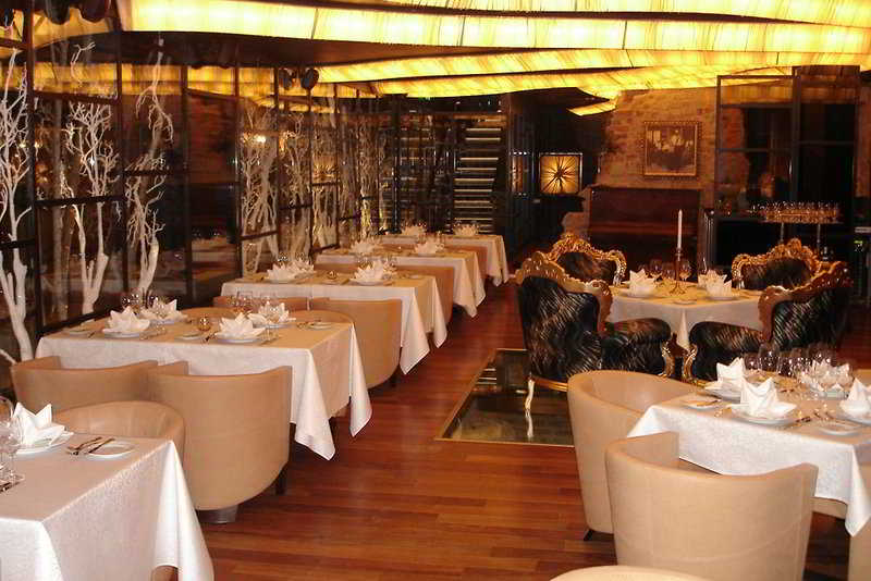Royal Square Hotel & Suites - Restaurant