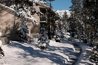 Banff Hotels:Tunnel Mountain Resort Banff