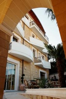 Albatres Palace Hotel, Via Mesagne,147