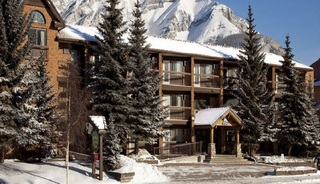 High Country Inn Banff, 419 Banff Avenue,