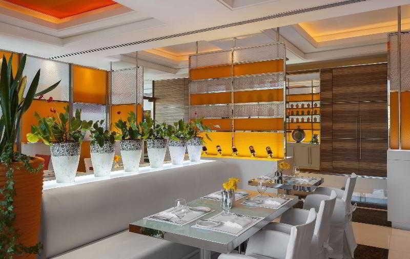 Four Points by Sheraton Downtown Dubai - Bar