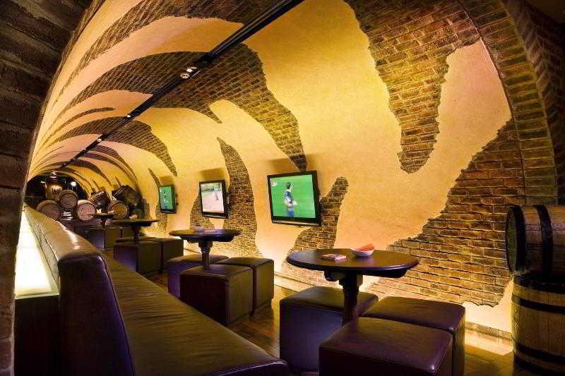 Four Points by Sheraton Downtown Dubai - Restaurant
