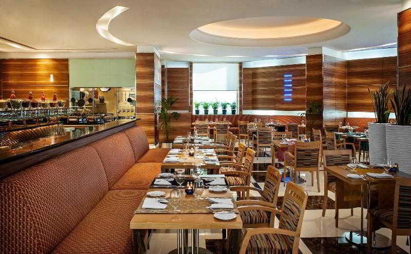Four Points by Sheraton Downtown Dubai - Zimmer