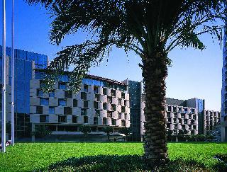 Al Faisaliah Hotel, King Fahd Road, Olaya, Riyadh…