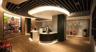 Shangri-la DaLian, 66 Renmin Road, Hongshan…
