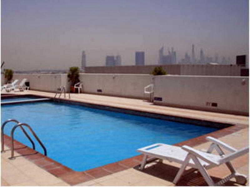 Richmond Hotel Apartments - Pool