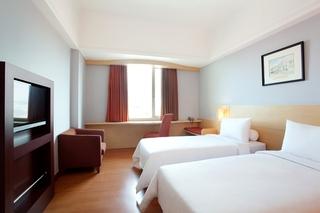 Arcadia Hotel, Jl. Rajawali 9-11,9 - 11