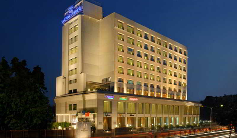 Radisson Mumbai Goregaon, Junction Of S.v. Road & Veer…