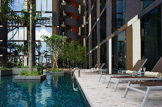 Crowne Plaza Changi Airport - Pool