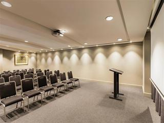 Quay West Suites Melbourne