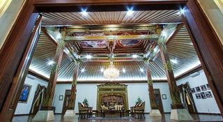 Kusuma Sahid Prince, Jl. Sugiyopranoto 20,20